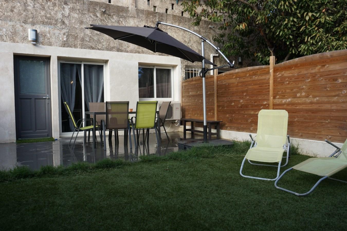 Vente le lavandou rez de jardin 67 m2 - Le grand jardin le lavandou ...